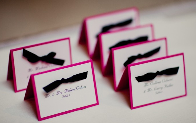 Wedding dinner wedding dinner seating system for Wedding place name cards