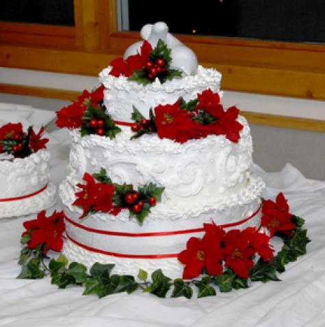25 Breathtaking Christmas Wedding Ideas - Wedding Photo ... |Christmas Wedding Cakes