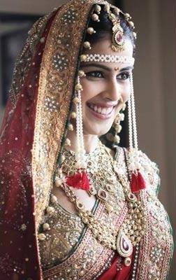 Beautiful Marathi Bride IndianWeddingCards 2