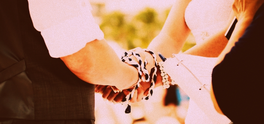 Tying the knot Tradition - Featured Image