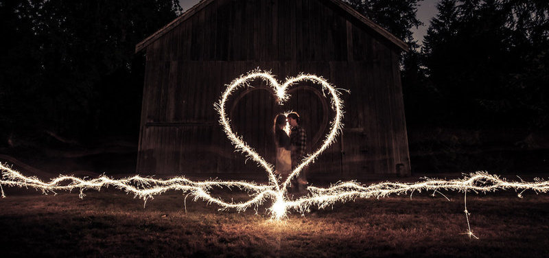 wedding portraits magical with sparklers 12